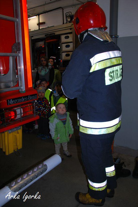 straż duży strażak